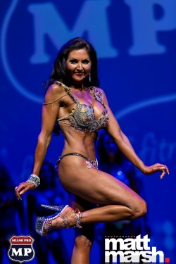 Livia competing at Miami Pro in April 2016